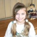 Гарна зачіска для дівчинки