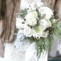 Зимовий весільний букет: справжня екзотика в руках нареченої
