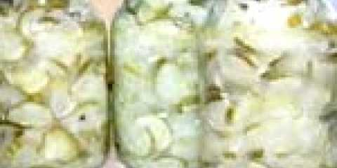 Класичний салат з огірків на зиму - рецепт з фото