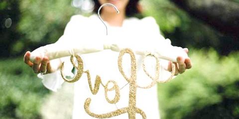 Весільний майстер-клас: вішалка для сукні нареченої своїми руками за 5 хвилин!